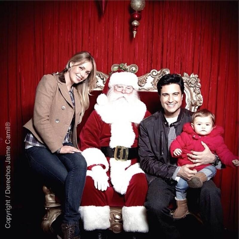 El actor publicó en su cuenta de Instagran una hermosa postal con la que él y su familia desean felices fiestas a todos sus seguidores.