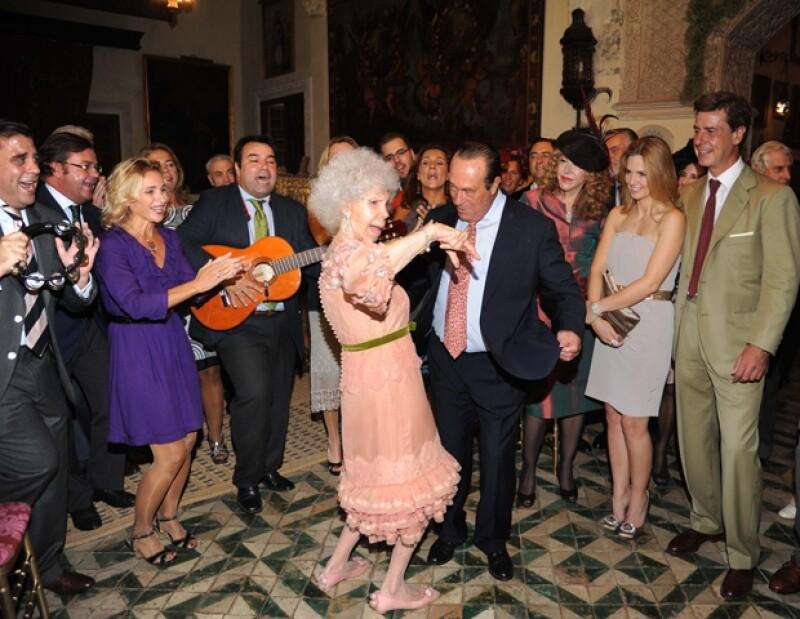 La primera boda de la duquesa se definió durante su época como: `La boda más costosa de la historia´con un costo de 20 millones de pesetas.