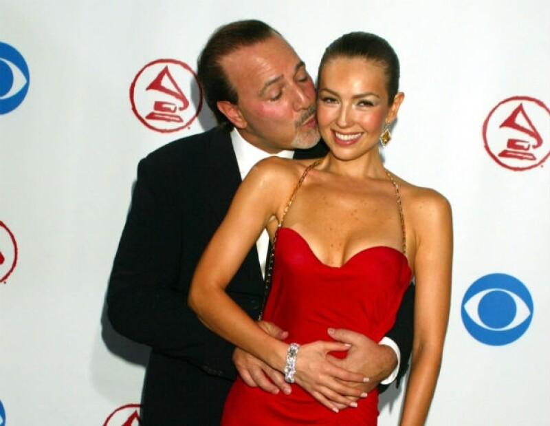 Thalía y Tommy durante los Latin Grammys 2003.