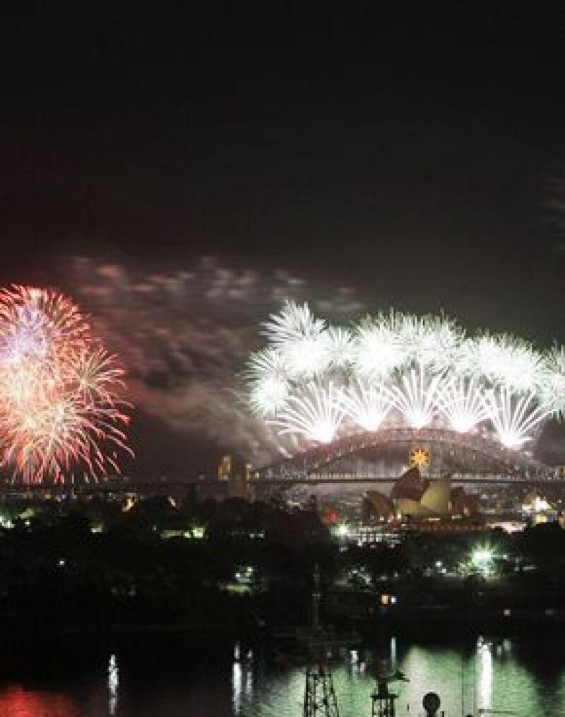 Más de un millón de personas se reunieron en el puerto de Sydney en una espectacular fiesta.
