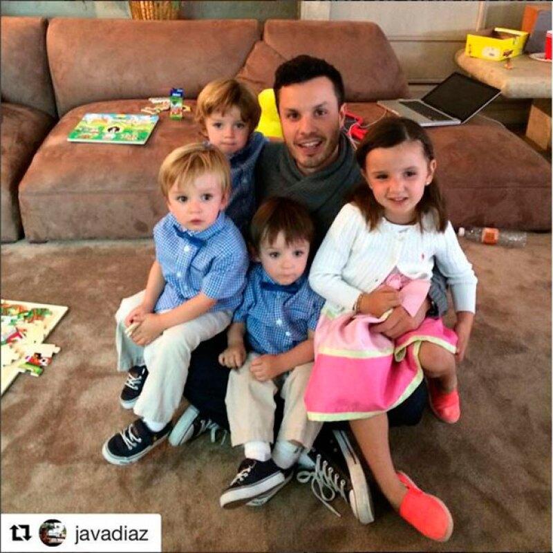 Hace unas semanas, Javier Díaz publicó esta foto en la que dejó entrever que hace tiempo no ve a sus hijos, fruto de su matrimonio de cinco años con Inés Gómez Mont.