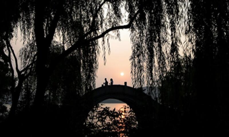 A pesar de que lo usan muy poco, los habitantes de Hangzhou consideran el puente como un lugar histórico y representativo de la localidad. (Foto: AP)
