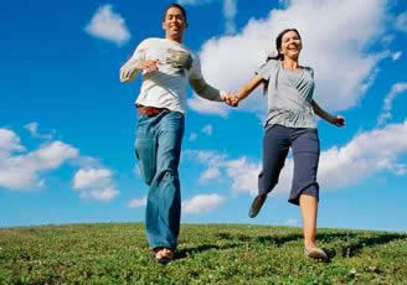 Las parejas 'dink' buscan viajes, ropa y tecnología. (Foto: Jupiter Images)