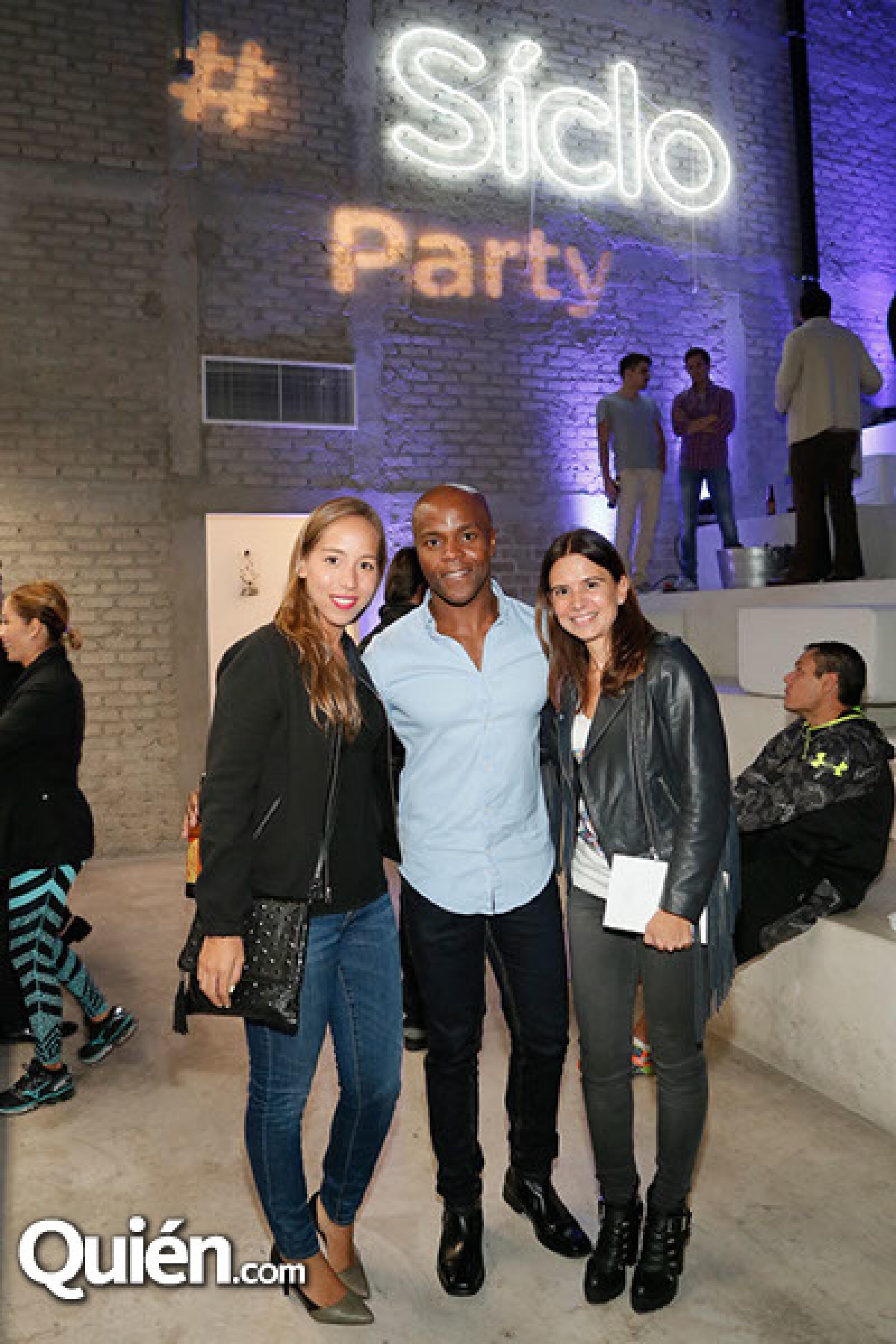 Sofía Abrego,Jeremy Whistine y Mónica Cervantes