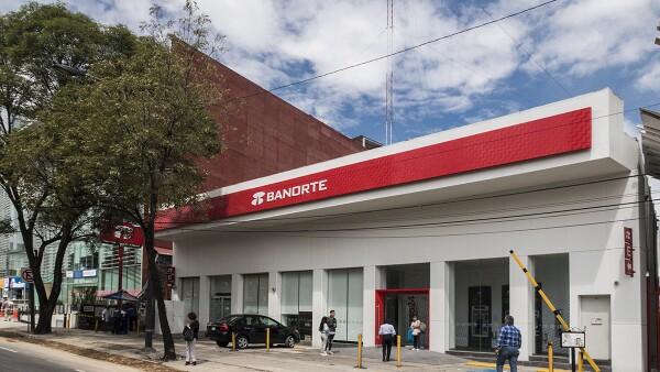 Banorte logró un saldo de 113,877 mdp debido al aumento en la colocación de créditos empresariales, arrendamiento y factoraje. (Foto: Archivo)