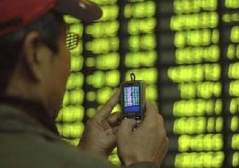 A pesar de los avances, analistas señalan que el mercado de valores de China sigue siendo inmaduro y muy volátil. (Foto: Reuters)