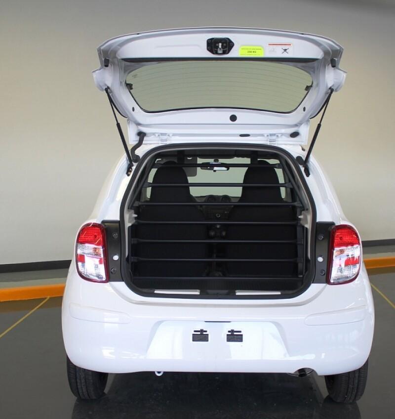 Nissan March cargo.jpg