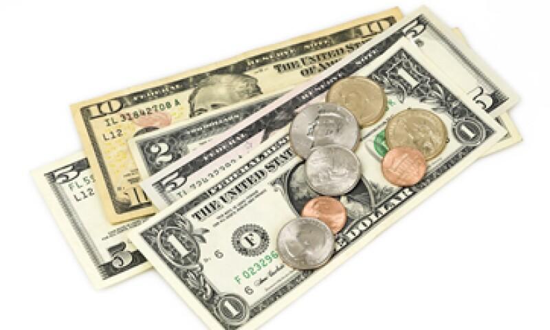 Banxico estima que este lunes el tipo de cambio cotice entre 15.13 y 15.42 pesos por dólar. (Foto: iStock by Getty Images. )
