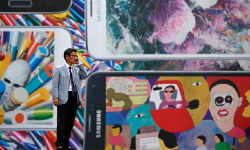 El Galaxy S5 corre con la nueva versión del sistema operativo 4.4.2 KitKat. (Foto: Reuters)