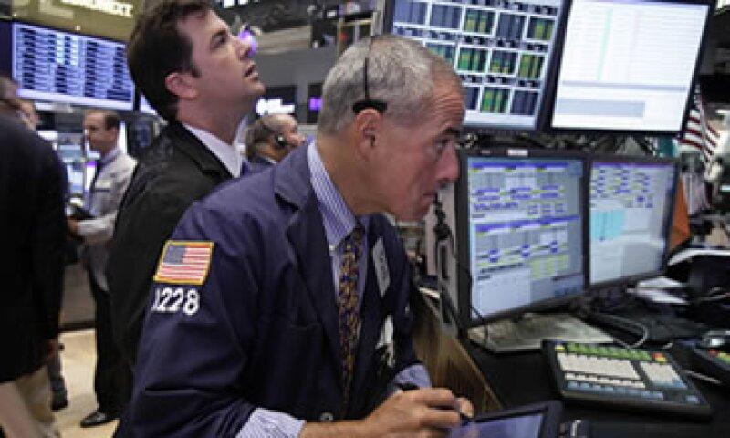 Los inversores esperan que el dato de desempleo motiven un nuevo estímulo económico.  (Foto: Reuters)