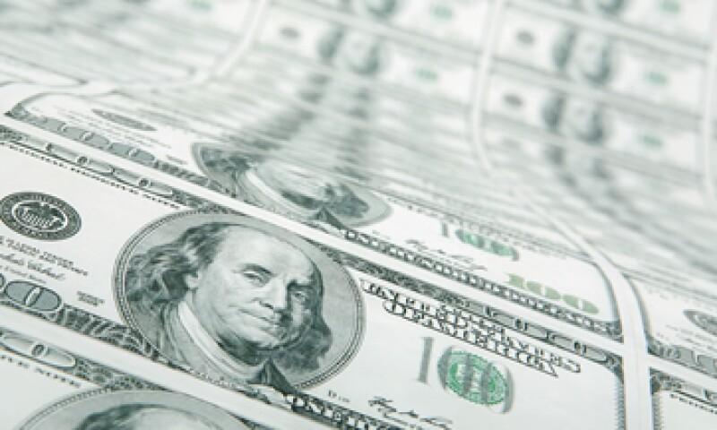 La Fed ha mantenido bajas las tasas y comprado 85,000 mdd en bonos y títulos respaldados por hipotecas cada mes. (Foto: Getty Images)