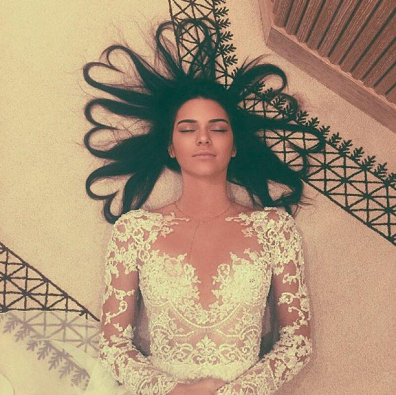Con esta fotografía, Kendall Jenner se postuló en primer lugar al alcanzar 3.2 millones de likes.