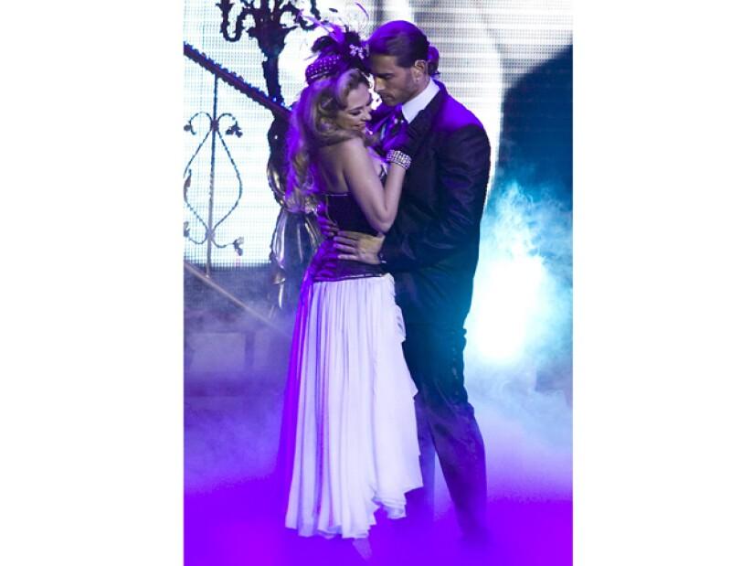 El actor argentino y la mexicana, podrían sostener un romance, se informó en un conocido programa radiofónico.