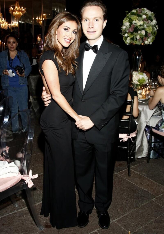 La pareja mantiene un noviazgo desde hace poco más de un año, ella estuvo acompañándolo durante su campaña política en 2012.
