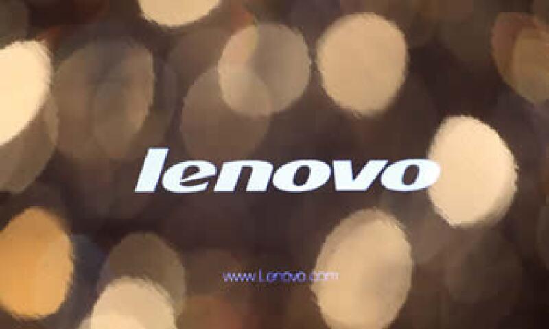 Los títulos de Lenovo han caído 23% desde que anunció la compra de Motorola a Google por 2,900 mdd. (Foto: Reuters)
