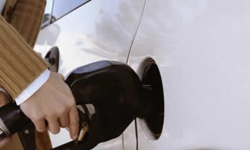 En 2026, la producción de gasolinas sólo cubrirá 51.3% de la demanda nacional. (Foto: Getty Images)