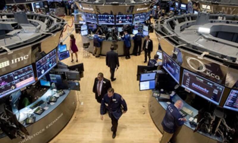 El Dow Jones subía 0.46% a 16,676 unidades. (Foto: Reuters )