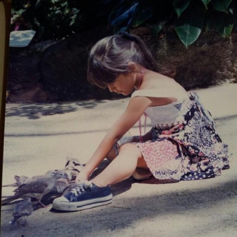 La novia del empresario Pepe Díaz también compartió esta imagen jugando con palomas.