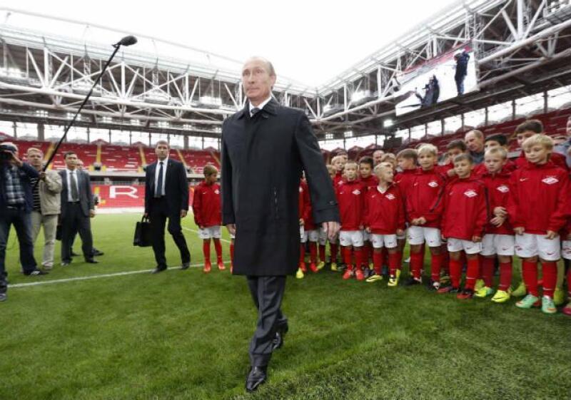 Putin inaugura estadio para el Mundial 2018