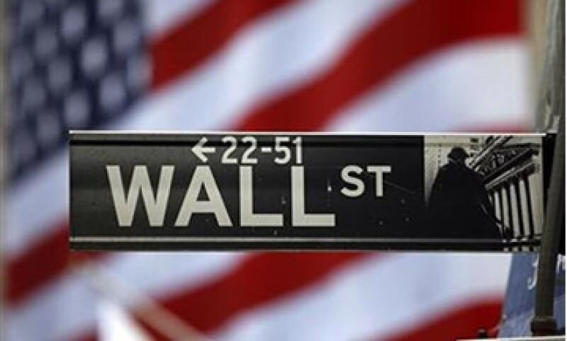 Wall Street se ha guiado en la últimas cuatro sesiones por los títulos de Apple. (Foto: Reuters)