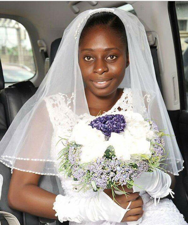 Una mujer originaria de Ghana rechazó maquillarse el día de su boda y su decisión ha sido aplaudida en todo el mundo.