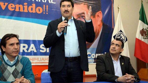 Javier Corral dijo contar con pruebas que acreditan que el hermano del gobernador César Duarte fue detenido en Estados Unidos por posesión de marihuana.