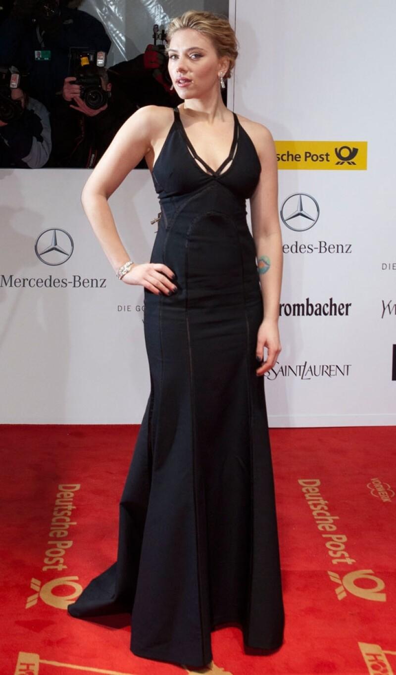 La joven de 27 años se alzó con el premio a Mejor Actriz Internacional en la 47 entrega de los Golden Camera Awards en Berlín, Alemania; acaparó miradas en la alfombra roja.