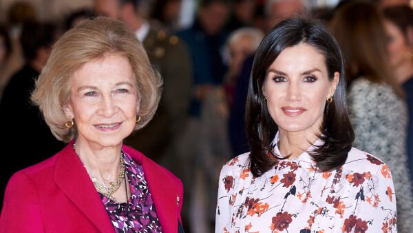 Reina Sofía y reina Letizia