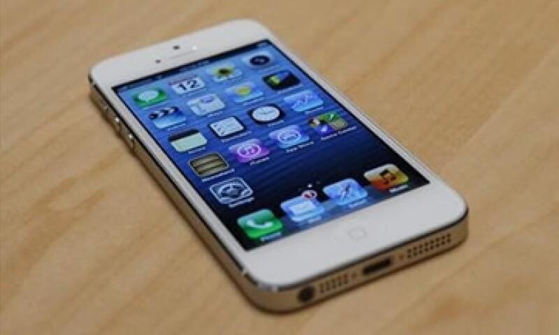 Tres de cada diez móviles que se vendieron en EU, fueron iPhones.  (Foto: Reuters)