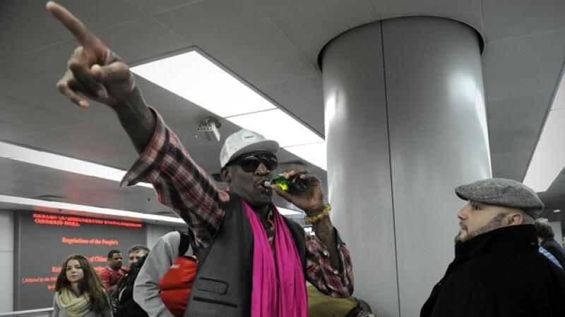 l ex jugador de basquetbol Dennis Rodman al llegar al aeropuerto internacional de Beijing, China