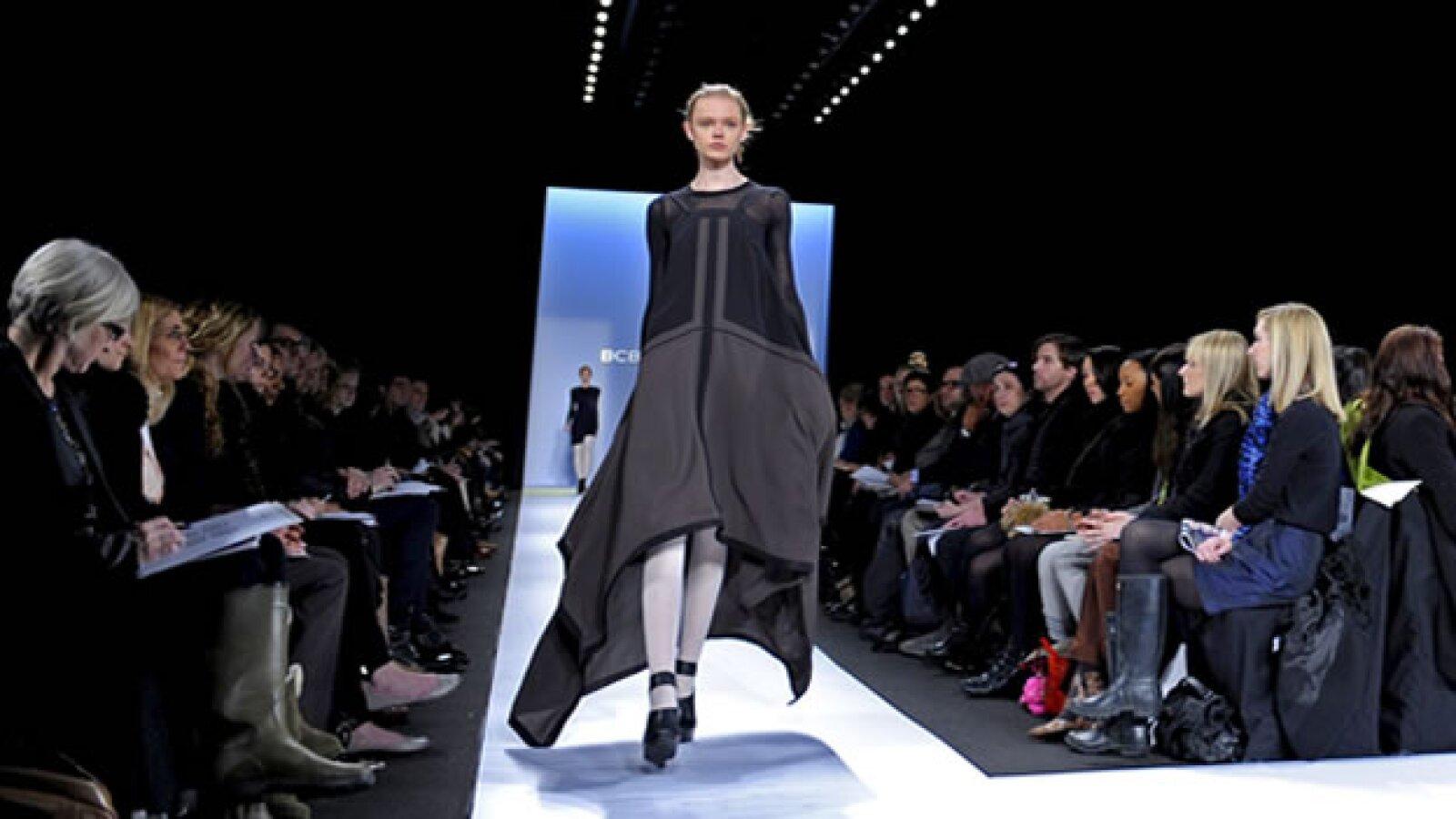 pasarela de bcbg azria en la semana de la moda de nueva york