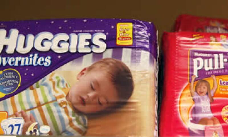 La compañía fabrica bienes de consumo masivo como los pañales Huggies y las toallas de papel Kleenex. (Foto: AP)