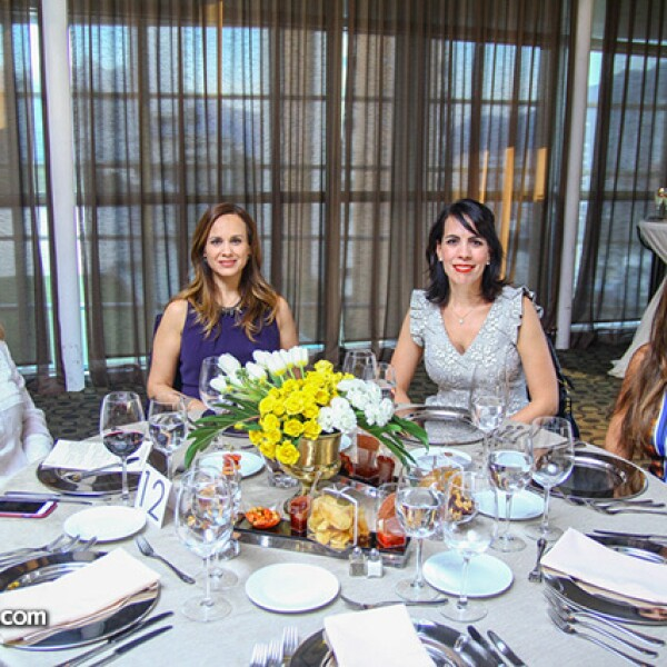 Elisa Quiroga de González,Bertha de la Fuente,Alicia García y Vanessa Martínez