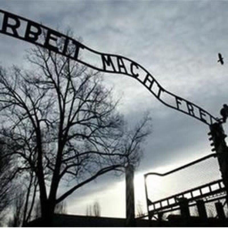 Se busca letrero de Auschwitz (Foto: Reuters)