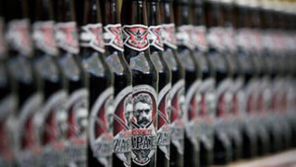 La firma busca innovar en el sector con cervezas coleccionables. (Foto: AP)