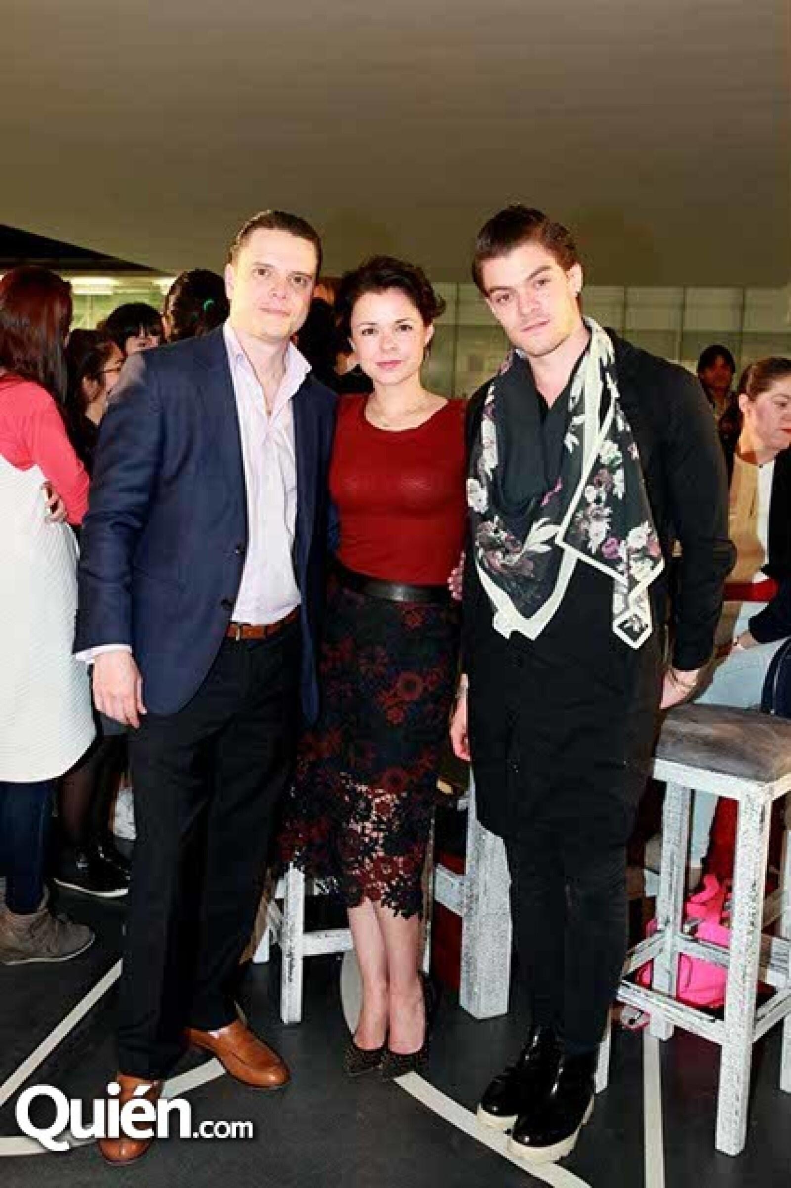 Claudio Alcayaga,Ana Luisa Trillo e Israel Parra