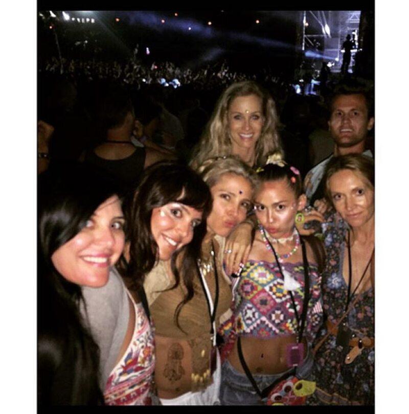 Elsa Pataky y Miley Cyrus parecen llevarse muy bien.