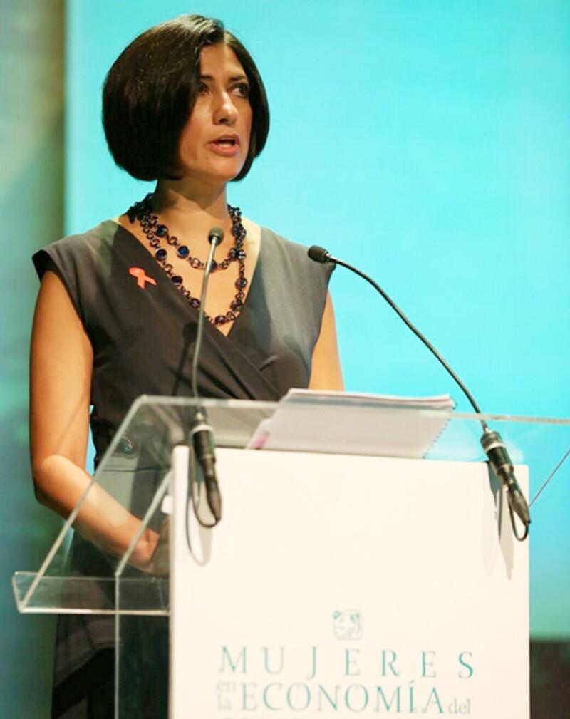Lorena Cruz, presidenta de INMUJERES: `Las mujeres siguen ganando 6% menos que los hombres en México´, dijo durante la conferencia.