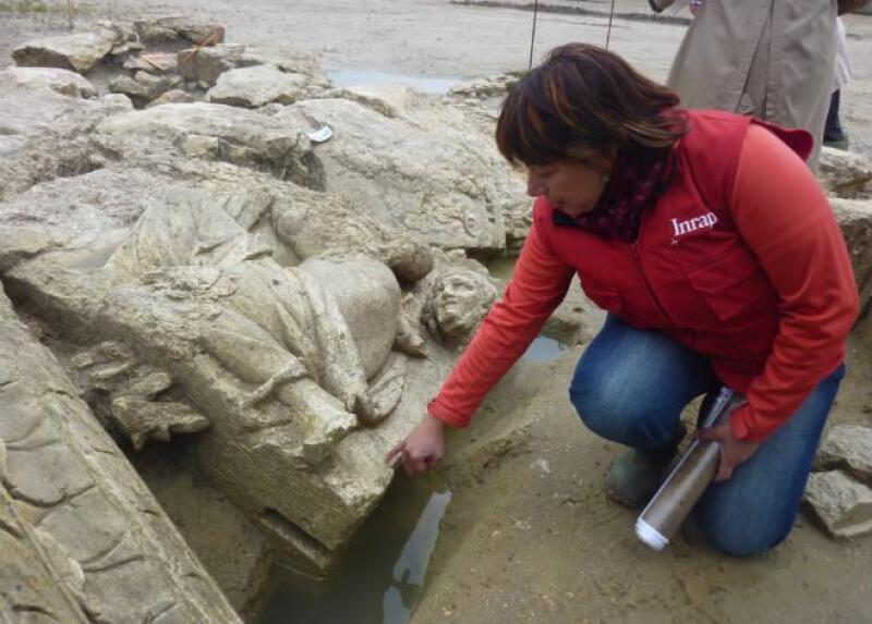 Hallan restos de enorme santuario romano del siglo II en Francia