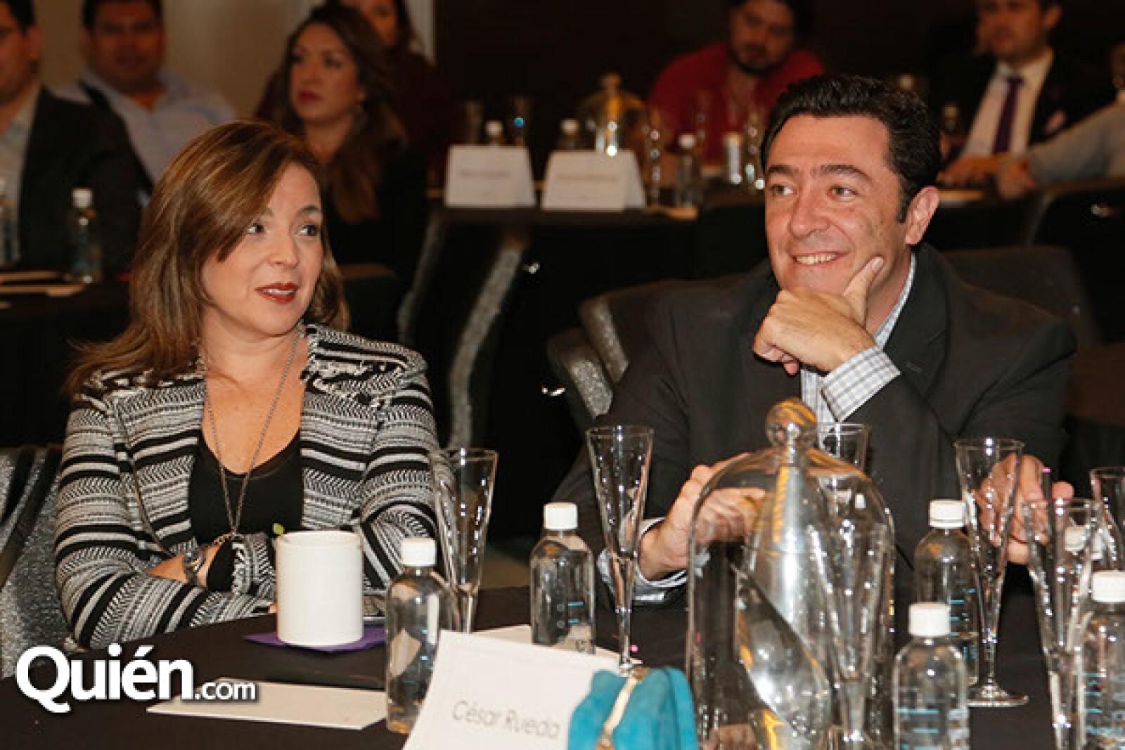 Adriana Rivero y César Rueda