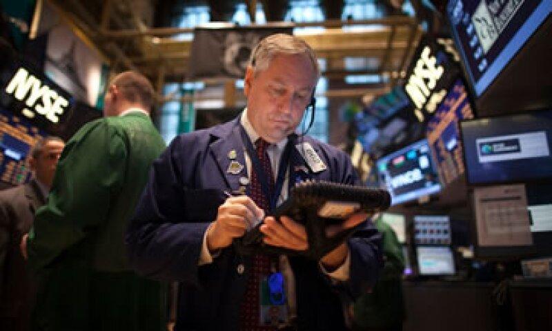 Contraria a la tendencia de las Bolsas, el peso registra una baja de 0.03%.(Foto: Getty Images)