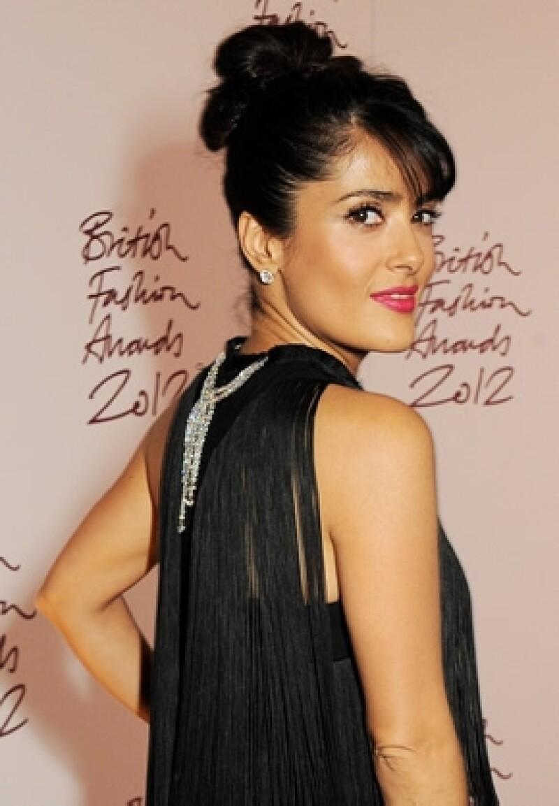 La actriz mexicana ya está confirmada e incursionará en la industria de cine indio el próximo año, interpretará a una modelo que viven en Delhi.
