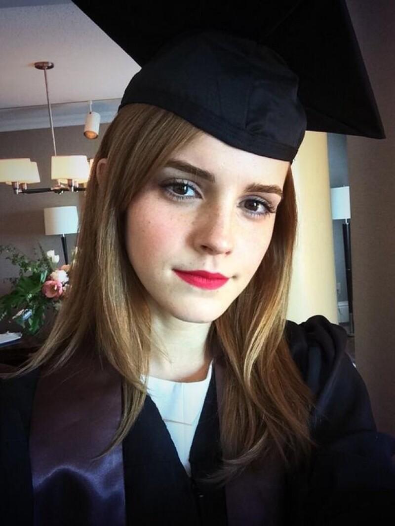 Así como en su papel de Hermione en Harry Potter, Emma destaca en sus estudios en su vida fuera del set.
