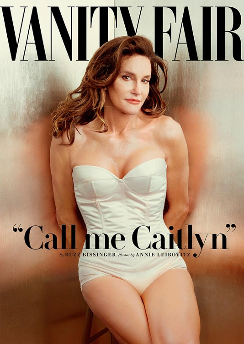 2015 también fue el año del destape del ex atleta olímpico Bruce Jenner como Caitlyn Jenner. Esta portada lanzada a mitad de año causó euforia en todo el mundo.