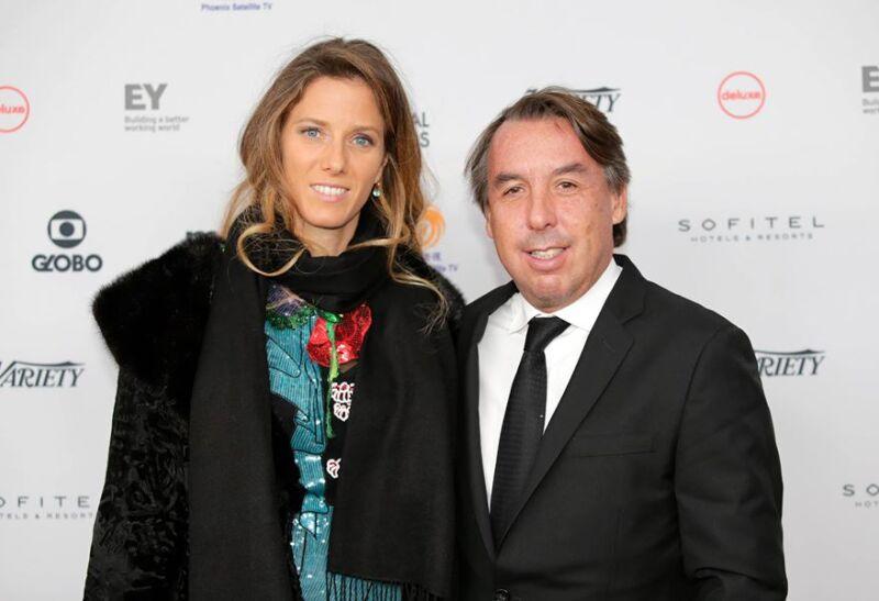 Sharon Fastlicht y Emilio Azcárraga Jean en la gala de los Emmy.