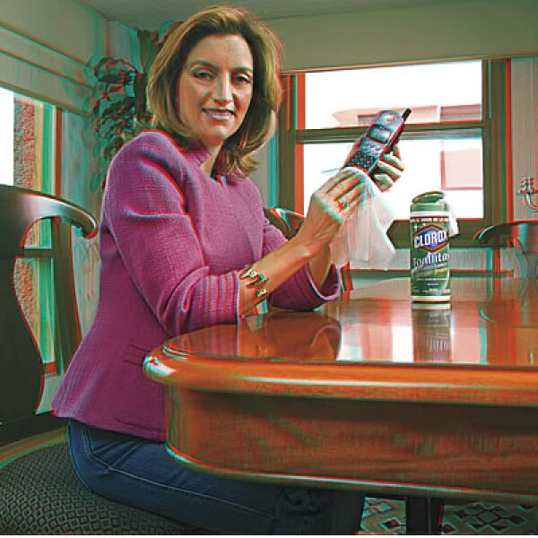Angelines Diez, directora de Mercadotecnia de Clorox. CAMPAÑA: Influenza. PRODUCTO: Cloro y toallitas limipadoras. AGENCIA: DDB México.