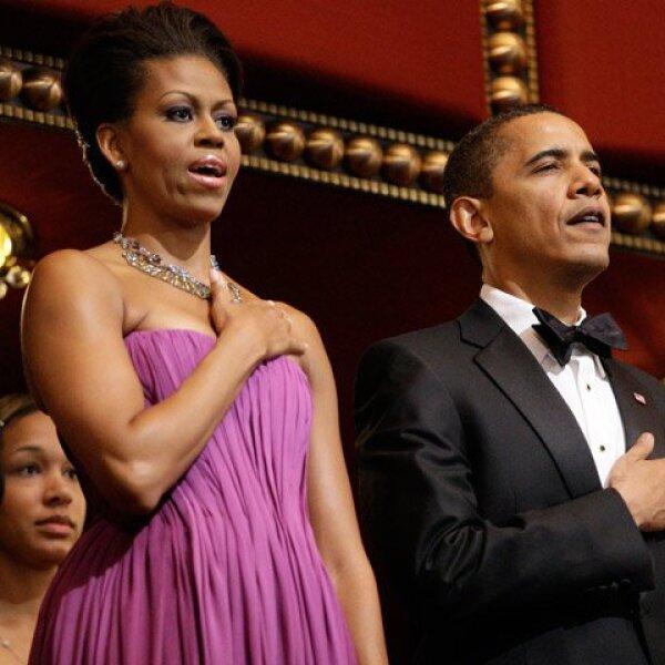 Michelle y Barack Obama encabezaron la ceremonia, la cual dio comienzo con el himno nacional estadounidense.