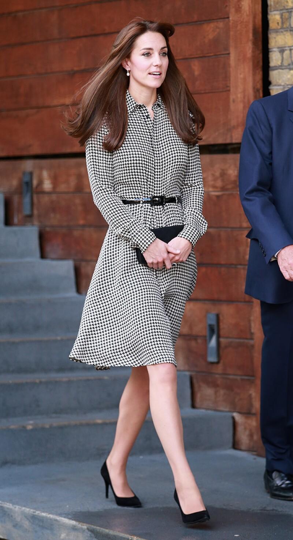 La duquesa de Cambridge asistió este jueves al centro Anna Freud luciendo un diseño de Ralph Lauren que fue aplaudido por la prensa británica.