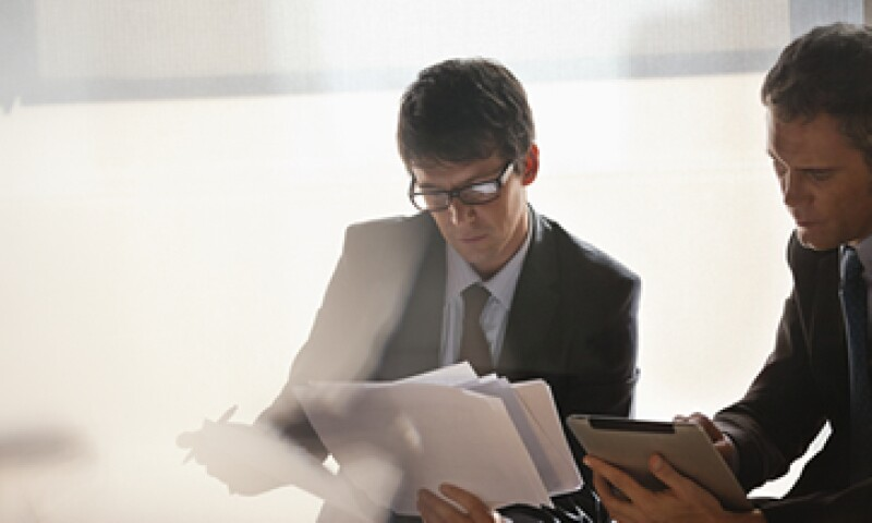 Antes de firmar el acta constitutiva de tu empresa analiza qué relación quieres entablar con tus socios. (Foto: Getty Images)