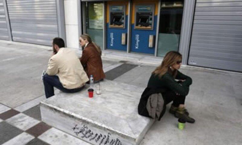 Los chipriotas se opusieron a las exigencias del depósito bancario que buscaba recaudar 5,800 mde.  (Foto: Reuters)